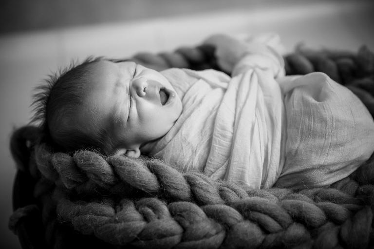 nouveau né séance photo photographe bébé garçon baille douvaine thonon evian annemasse geneve lausanne
